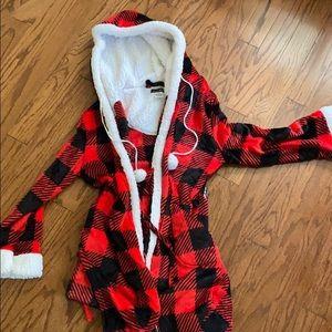 ❤️🤍❤️ CUDDLE TIME ~ Flannel design Robe style